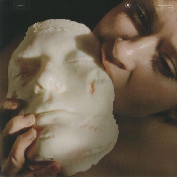 pharmakon-devour-lp-sacred-bones-cover