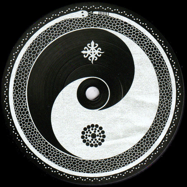 manfredas-siaubas-simple-symmetry-cult-edits-001-culted001-cult-edits-cover